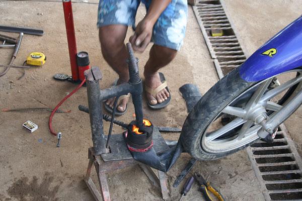 Reifenreparatur im Welding Shop