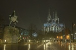 Kölner Dom im Regen