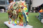 Singapur - Elapfanten Parade Raffles Place